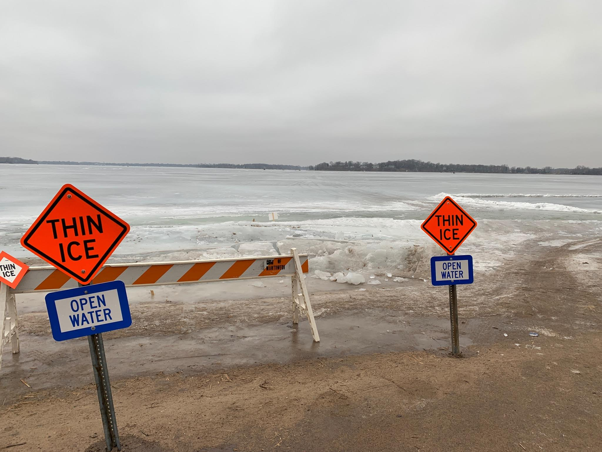 Thin Ice Open Water Signs (IMAGE)
